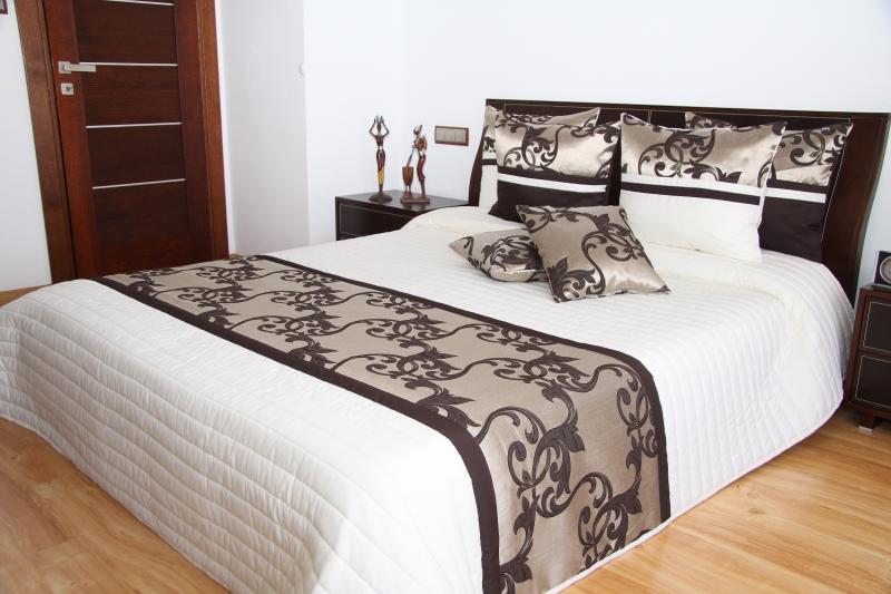 Luxusní přehoz na postel 240x260cm 39c / 240X260 přehozy na postel