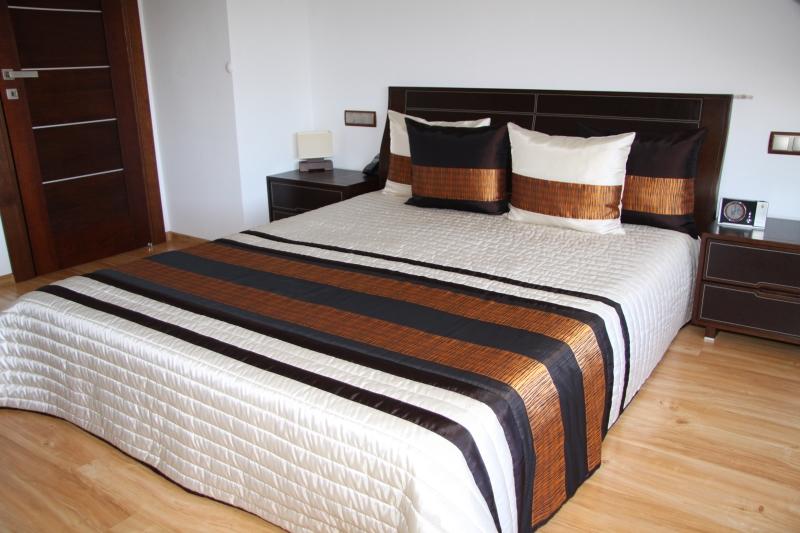 Luxusní přehoz na postel 220x240cm 19p / 220x240 přehozy na postel