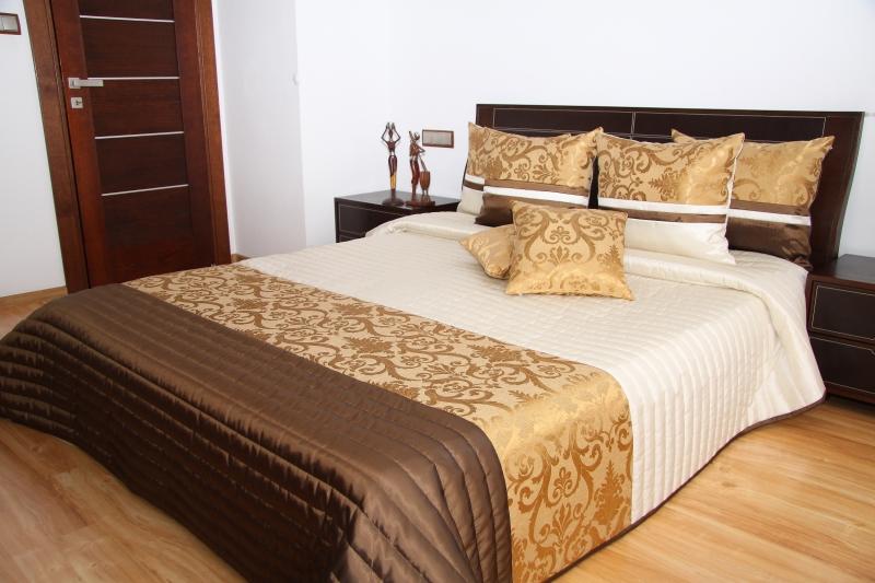 Luxusní přehoz na postel 220x240cm 34h / 220x240 přehozy na postel