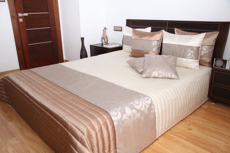 Luxusní přehoz na postel 220x240cm 34K / 220x240 přehozy na postel